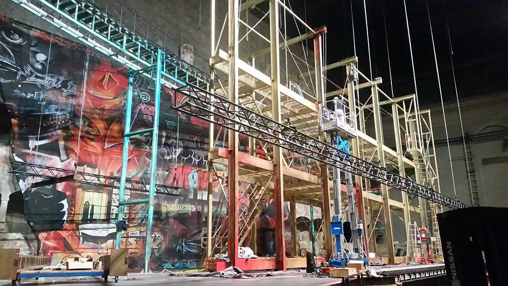 "Salzburger Festspiele Stahlkonstruktion für ""West Side Story"""