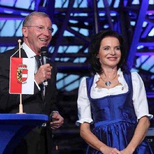 LH Dr. Wilfried Haslauer und Mag. Elisabeth Kislinger-Ziegler © Franz Neumayr